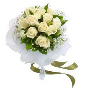 Siirt anneler günü çiçek yolla  11 adet benbeyaz güllerden buket