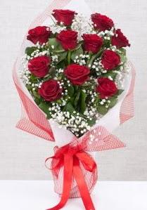 11 kırmızı gülden buket çiçeği  Siirt internetten çiçek satışı