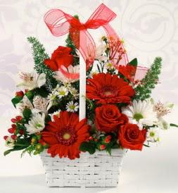 Karışık rengarenk mevsim çiçek sepeti  Siirt çiçek satışı