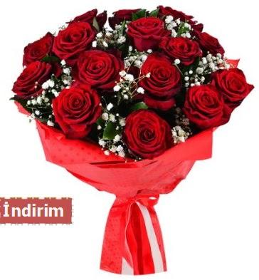 12 Adet kırmızı aşk gülleri  Siirt yurtiçi ve yurtdışı çiçek siparişi