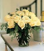 Siirt çiçek yolla  11 adet sari gül mika yada cam vazo tanzim