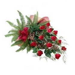 Siirt ucuz çiçek gönder  10 adet kirmizi gül özel buket çiçek siparisi