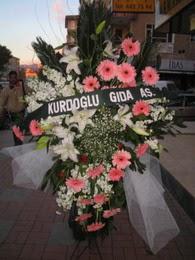 kazablanka,gerbera,sebboy ferforje  Siirt çiçek gönderme sitemiz güvenlidir