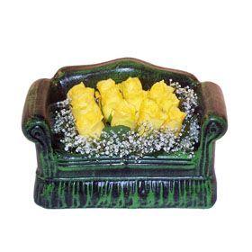 Seramik koltuk 12 sari gül   Siirt çiçek yolla , çiçek gönder , çiçekçi