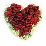 kalp biçiminde 15 gülden   Siirt uluslararası çiçek gönderme