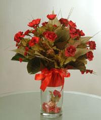 yapay güllerden vazo  9 gül  Siirt çiçek siparişi sitesi