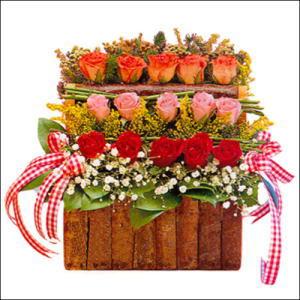 sandikta 3 kat güllerden   Siirt çiçekçi mağazası