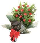 12 adet kirmizi gül buketi   Siirt çiçek gönderme sitemiz güvenlidir
