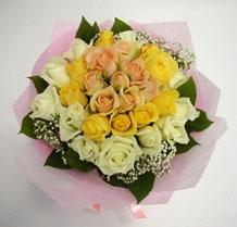 sari ve beyaz gül karisimda   Siirt online çiçekçi , çiçek siparişi
