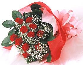 12 adet kirmizi gül buketi  Siirt hediye çiçek yolla