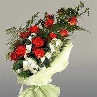 Siirt çiçek yolla , çiçek gönder , çiçekçi   11 adet kirmizi gül buketi sade haldedir