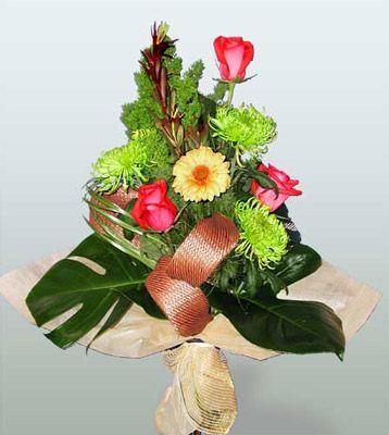 Siirt çiçek yolla , çiçek gönder , çiçekçi   3 adet gül 4 adet gerbera çiçegi sade buket