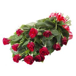 11 adet kirmizi gül buketi  Siirt 14 şubat sevgililer günü çiçek