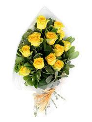 Siirt uluslararası çiçek gönderme  12 li sari gül buketi.