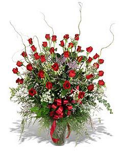 Siirt çiçek yolla  33 adet kirmizi gül vazo içerisinde