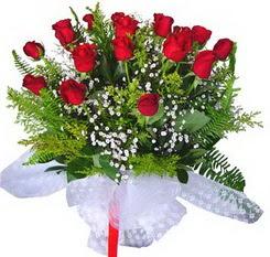 Siirt yurtiçi ve yurtdışı çiçek siparişi  12 adet kirmizi gül buketi esssiz görsellik