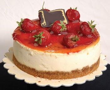 online pastaci 4 ile 6 kisilik yas pasta çilekli  Siirt çiçek yolla