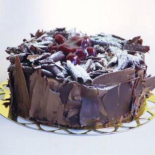 pasta yolla 4 ile 6 kisilik visneli çikolatali yas pasta  Siirt çiçek yolla