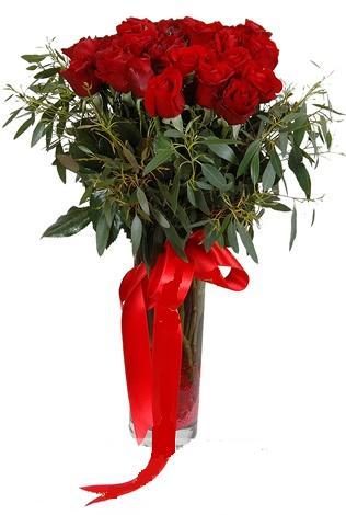 15 adet kirmizi gül cam vazo içerisinde  Siirt çiçek gönderme