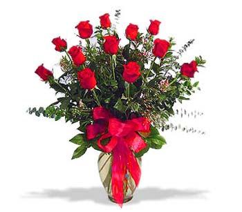 çiçek siparisi 11 adet kirmizi gül cam vazo  Siirt ucuz çiçek gönder