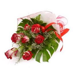 Çiçek gönder 9 adet kirmizi gül buketi  Siirt çiçek , çiçekçi , çiçekçilik