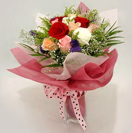 Karisik renklerde 11 adet gül buketi  Siirt kaliteli taze ve ucuz çiçekler