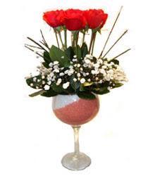 Siirt çiçekçi telefonları  cam kadeh içinde 7 adet kirmizi gül çiçek