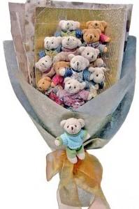 12 adet ayiciktan buket tanzimi  Siirt hediye çiçek yolla