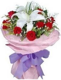 9 adet kirmizi gül 1 adet kazablanka buketi  Siirt çiçek gönderme sitemiz güvenlidir