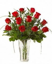 cam yada mika vazo içerisinde 9 kirmizi gül  Siirt çiçek yolla