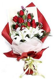 Siirt İnternetten çiçek siparişi  9 adet gül 2 adet kazablanka buketi