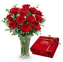 Siirt çiçek gönderme sitemiz güvenlidir  10 adet cam yada mika vazoda gül çikolata