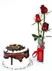 Siirt çiçek , çiçekçi , çiçekçilik  vazoda 3 adet kirmizi gül ve yaspasta