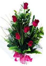 Siirt uluslararası çiçek gönderme  5 adet kirmizi gül buketi hediye ürünü
