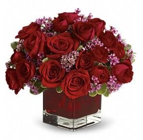 11 adet kırmızı gül vazosu  Siirt çiçekçi telefonları