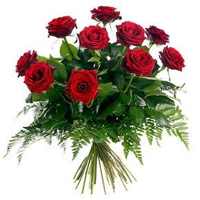 Siirt kaliteli taze ve ucuz çiçekler  10 adet kırmızı gülden buket