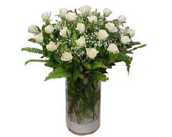 Siirt 14 şubat sevgililer günü çiçek  cam yada mika Vazoda 12 adet beyaz gül - sevenler için ideal seçim