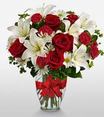 Eşsiz vazo tanzimi güller kazablankalar  Siirt ucuz çiçek gönder