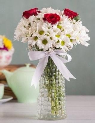 Papatya Ve Güllerin Uyumu camda  Siirt çiçek servisi , çiçekçi adresleri