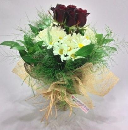 5 adet kırmızı gül ve kırızantem buketi  Siirt hediye çiçek yolla