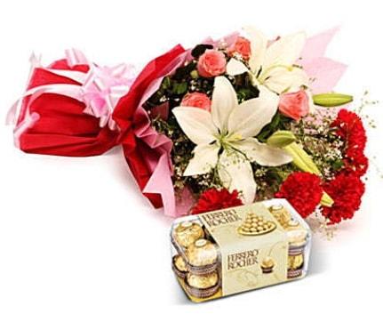 Karışık buket ve kutu çikolata  Siirt online çiçekçi , çiçek siparişi
