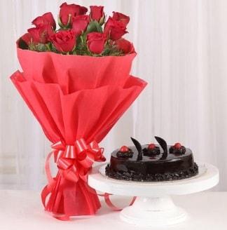10 Adet kırmızı gül ve 4 kişilik yaş pasta  Siirt çiçek gönderme